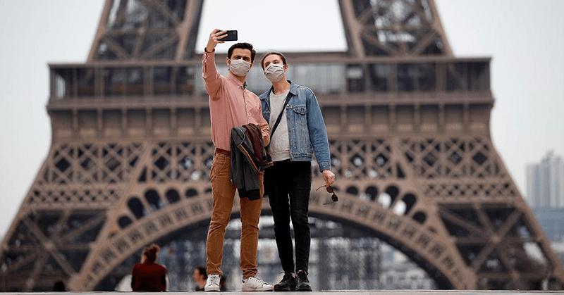 Francia prohibirá las reuniones masivas hasta fines de octubre