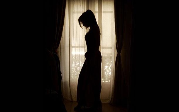 Mujer aparece viva una semana después de su funeral