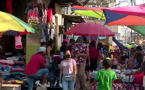 Ciudadanos se relajan y descuidan normas de bioseguridad en Guayaquil