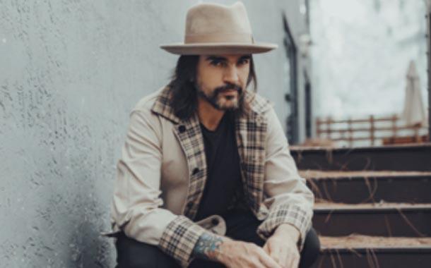 Juanes se une al homenaje a Zoé con su versión de 'Vía Láctea'