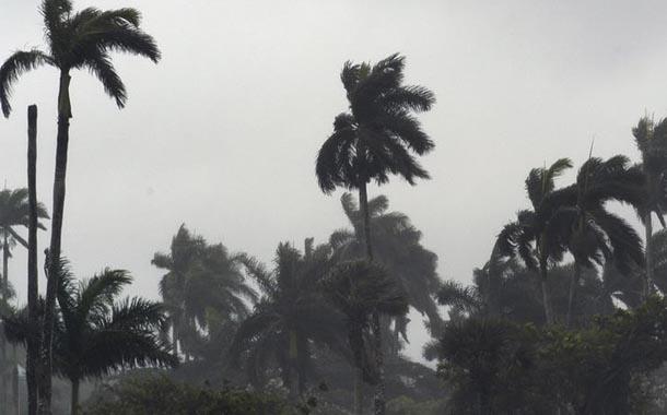 Laura ya se convirtió en huracán en el Golfo de México