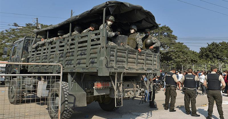 Fuerzas Armadas toman el control externo de las cárceles del país
