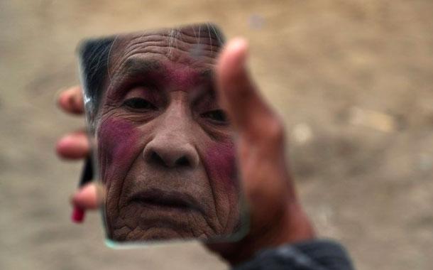 Perú: payasos se adaptan para sobrevivir a la pandemia