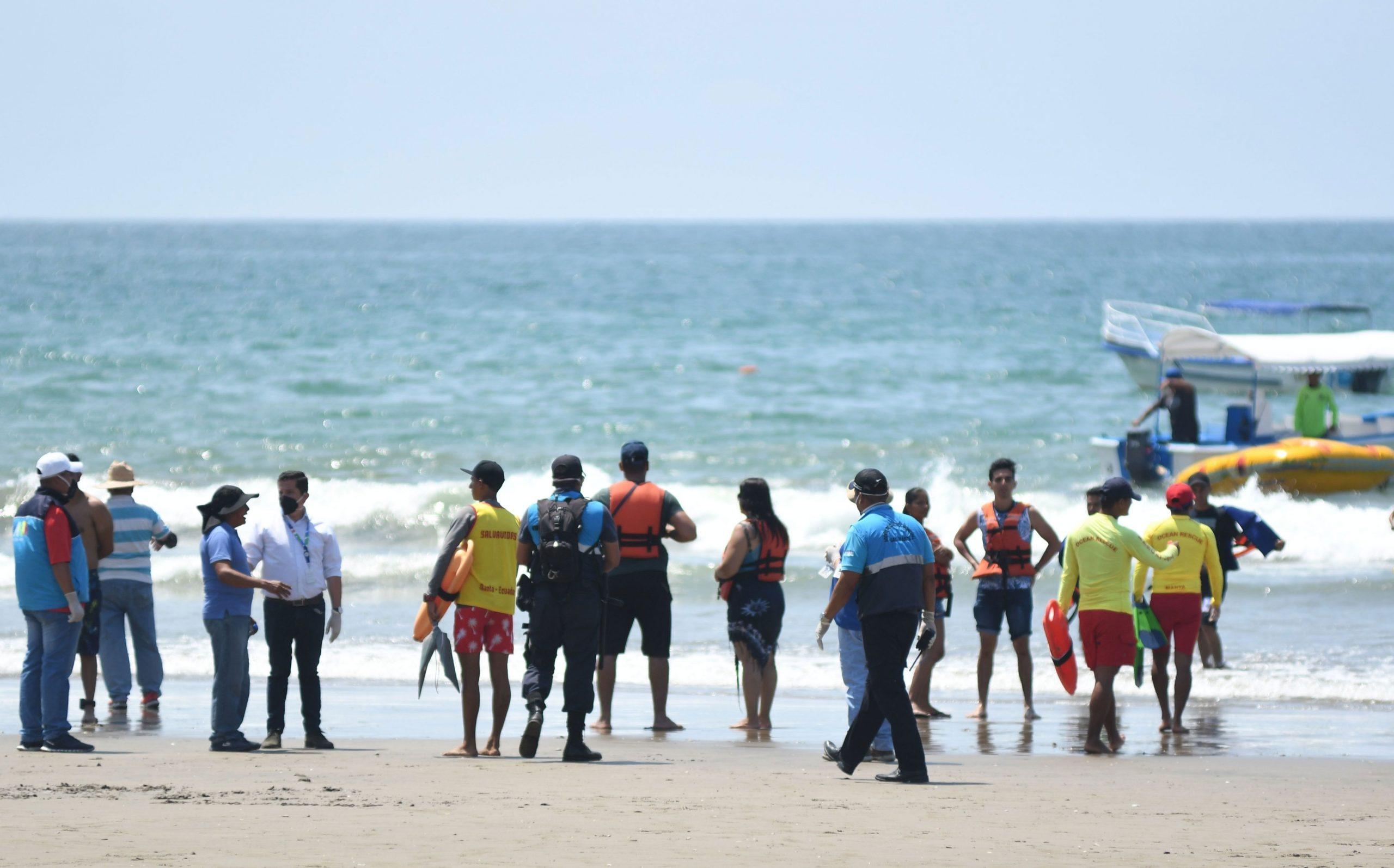 Mañana se reabren 40 playas en el país