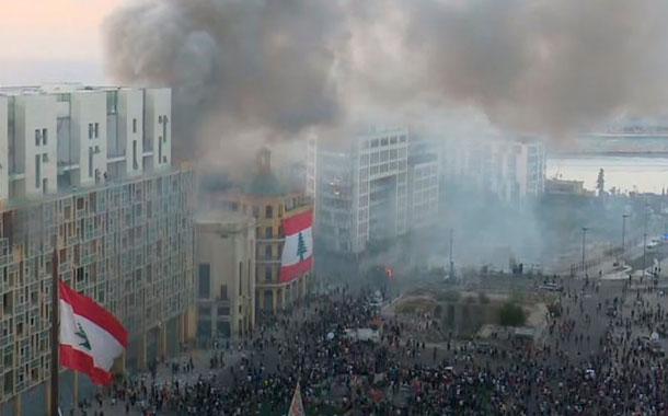 Violentas protestas en Beirut dejan un policía muerto y decenas de heridos
