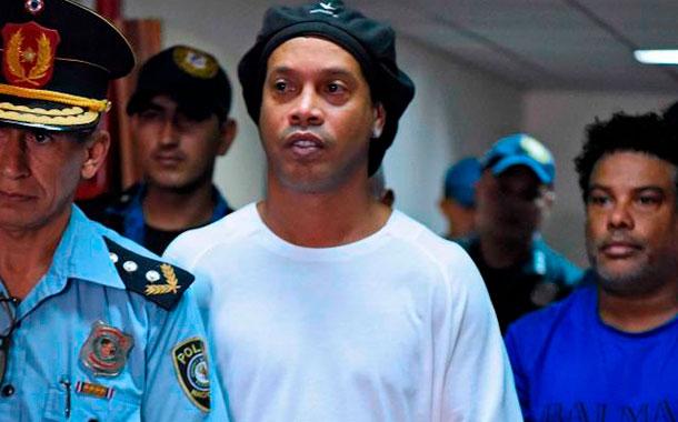 Ronaldinho recupera la libertad después de 6 meses