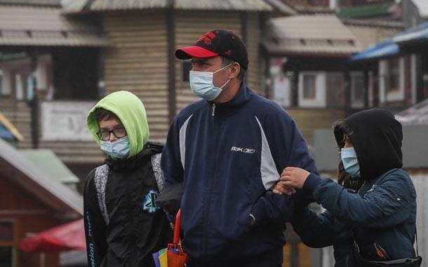 Casi el 50% de padres en Rusia se oponen a uso de mascarilla en colegios
