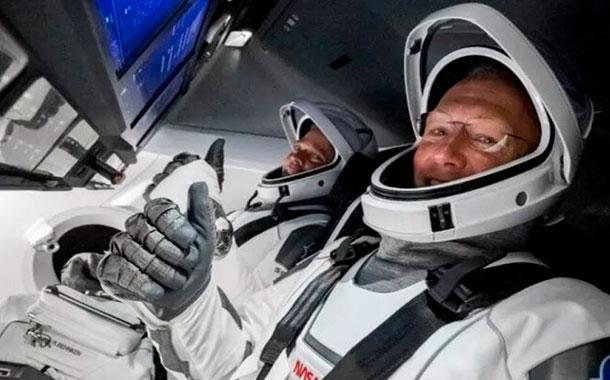 Los astronautas de SpaceX regresaron con éxito a la Tierra