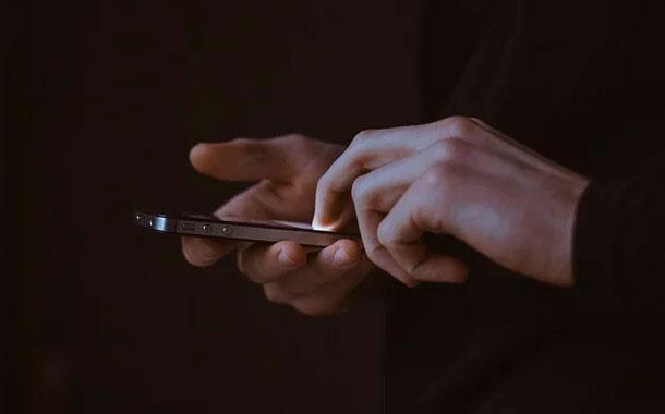 Google presenta un teléfono económico, el Pixel 4a