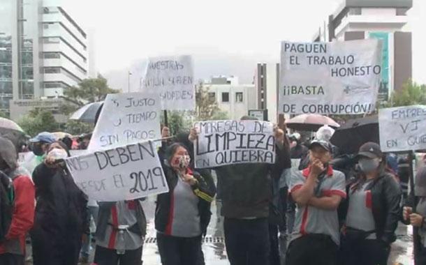 Trabajadores de empresas proveedoras del Estado exigen sus pagos