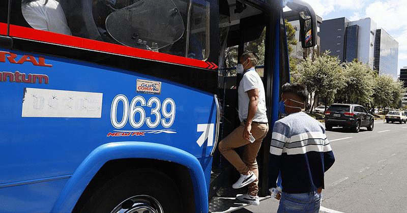 El tráfico en Quito se intensificó tras la eliminación de restricciones
