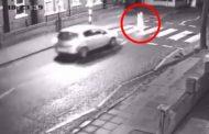(VIDEO) Mujer atropella a su suegro y darse a la fuga sin ayudarlo