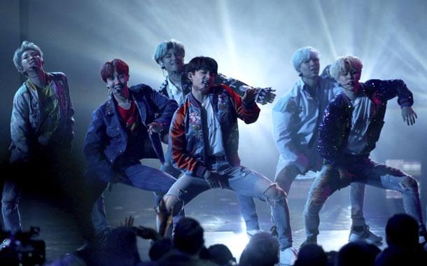 """BTS conquista el Top 100 en EEUU con """"Dynamite"""""""