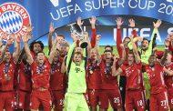 Neuer, capitán del Bayern, levanta la copa al cielo de Budapest