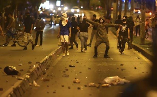 Colombia: Ola de violencia tras muerte de hombre por brutalidad policial