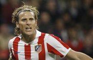 Diego Forlán aplaude el fichaje de Luis Suárez por Atlético de Madrid