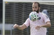 Gonzalo Higuaín debuta con penal errado en la MLS