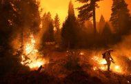 Enorme incendio forestal amenaza hogares en California