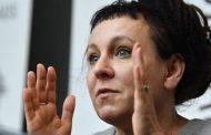 "Nobel polaca rechaza premio local por ""grieta"" LGBT"