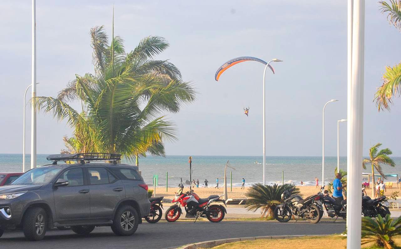 La playa de Las Palmas abre sus puertas tras 6 meses de inactividad
