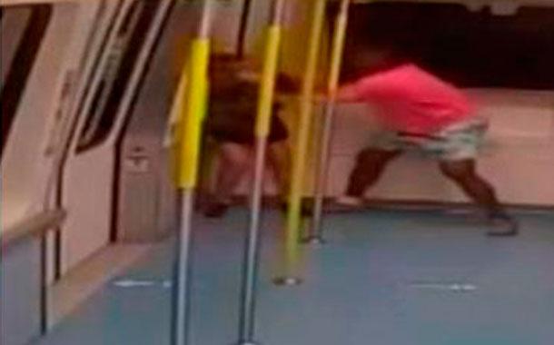 Hombre agrede sin ninguna razón a una mujer en tren de Miami