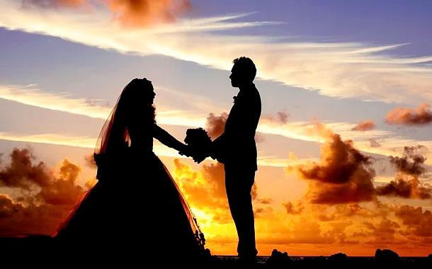 El exceso de alcohol hace que una boda termine en pelea campal