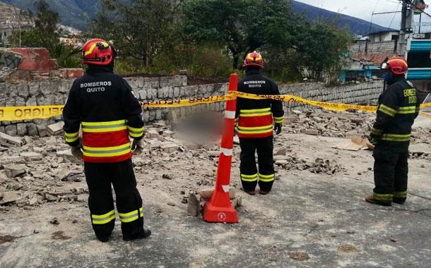La caída de un muro en Pomasqui provocó la muerte de una persona
