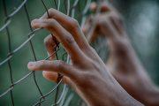 Congresistas denuncian condiciones deplorables en cárcel migratoria de EE.UU