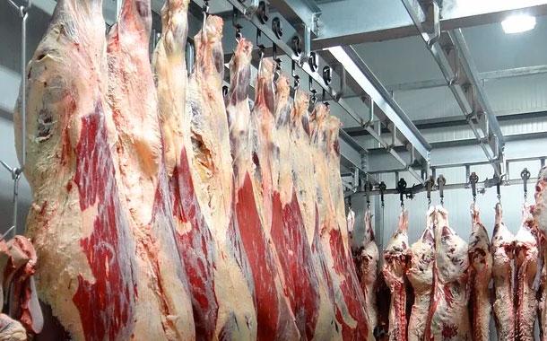 Más de mil contagios de Covid en planta de carne