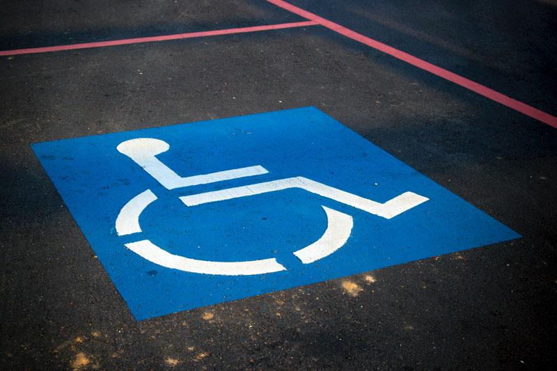 Altos funcionarios cuentan con carnés de discapacidad fraudulentos