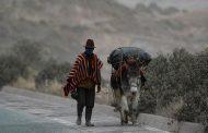 Varios sectores de Chimborazo se mantienen cubiertos de ceniza