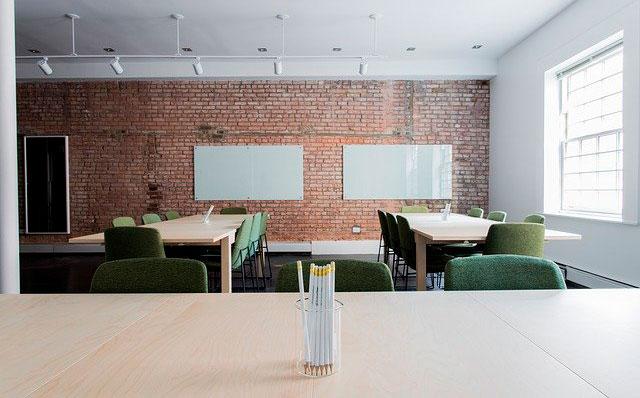 Nueva York retrasa la vuelta a las aulas ante amenaza de huelga de maestros