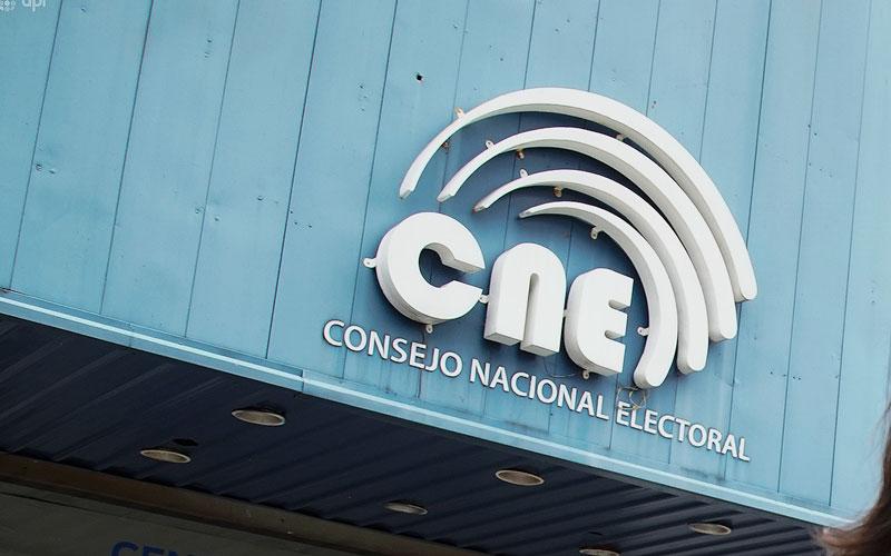 Dos binomios han declinado su participación en las elecciones del 2021