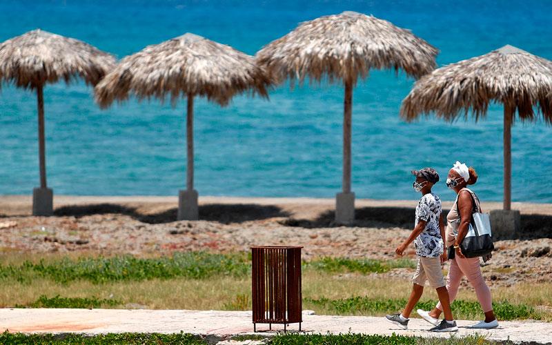 Llegan los primeros turistas a Cuba tras el cierre de fronteras