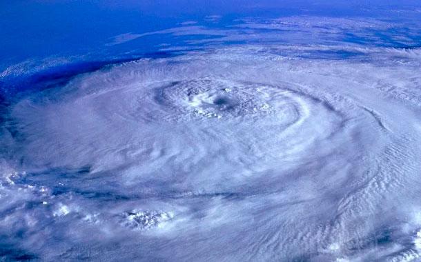Sally toca tierra: inunda casas y atrapa a gente