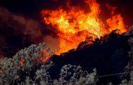Miles de evacuados por  incendios forestales en California