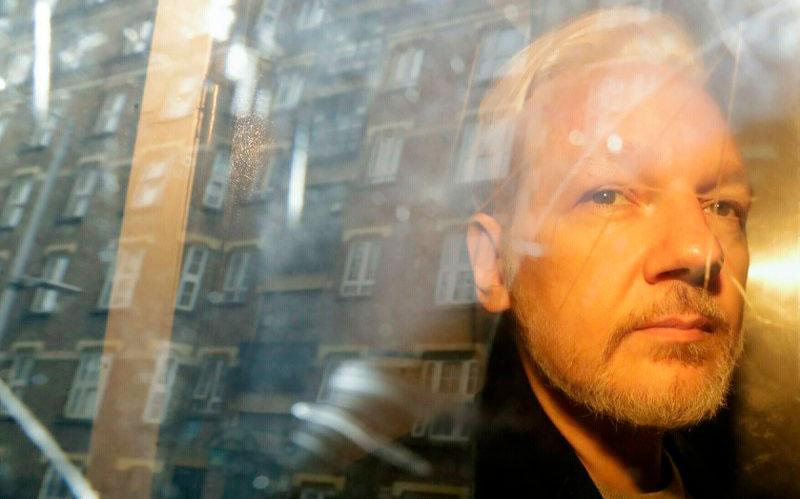 Assange disputará intento de extraditarlo a EEUU