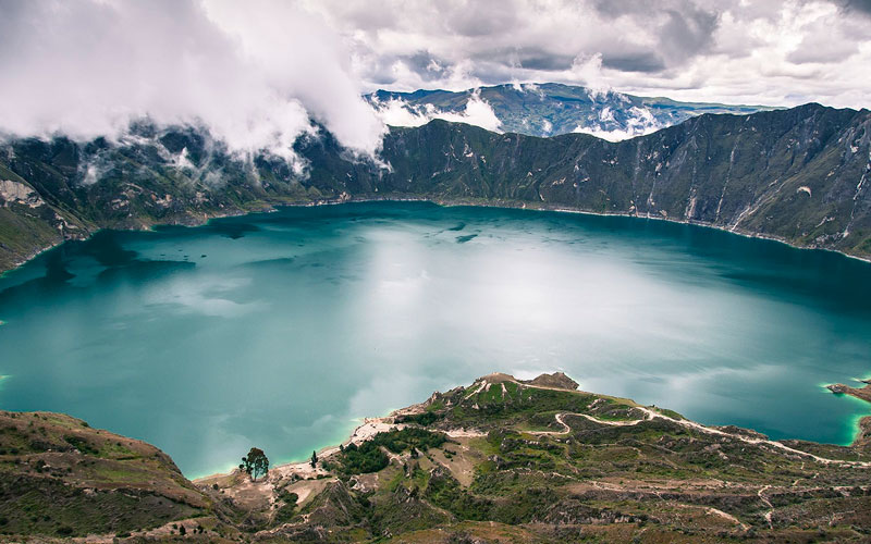 La laguna del Quilotoa es uno de los lugares más visitados del país