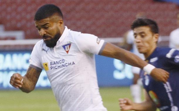 Liga derrotó a Macará con un solitario gol de penal