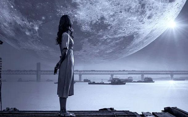 La NASA planea enviar a una mujer a la Luna en 2024