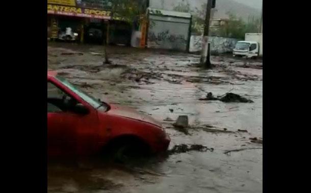 Torrencial aguacero inunda calles y casas en Pomasqui