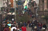 Gran afluencia de personas en las calles de Quito durante este sábado