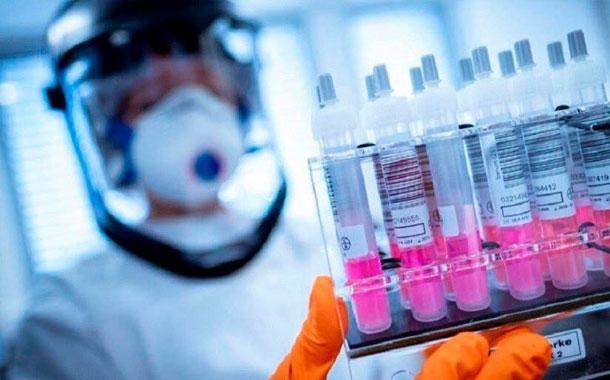 Oxford reanudará los ensayos de su vacuna contra la COVID-19