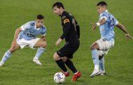 Con destellos de Messi y Fati, Barcelona golea 3-0 a Celta
