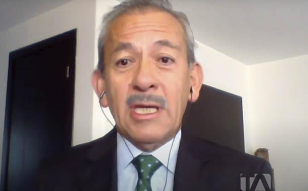 Carlos Aguinaga opina sobre candidatura de procesados judiciales