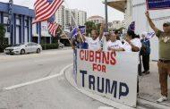 Un grupo de cubanos en Miami apoyan a Trump