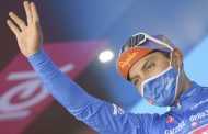 Jonathan Caicedo mantiene la maglia azzurra del Giro de Italia