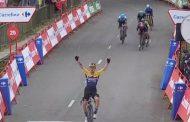 Richard Carapaz llega segundo en la primera etapa de La Vuelta
