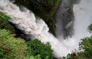 Decenas de personas visitaron el cantón Baños de Agua Santa