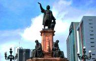 Retiran estatua de Cristobal Colón en México ante convocatoria a protestas